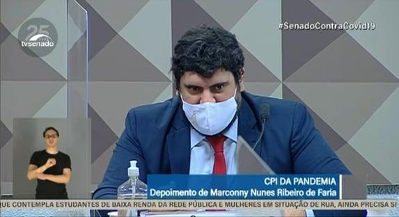 """""""O senhor é mais um oportunista"""", diz Alessandro Vieira a Marconny Faria"""
