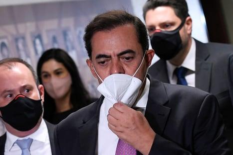 Tolentino nega relacionamento com Jair Bolsonaro e seus filhos