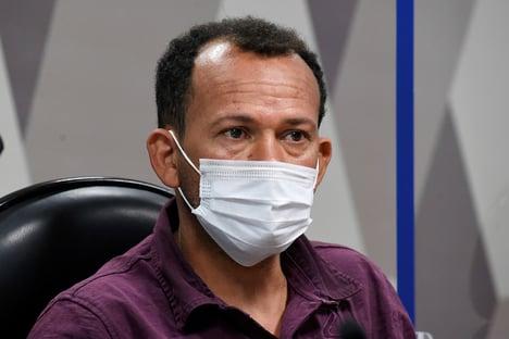 Motoboy Ivanildo não aceita entregar celular à CPI