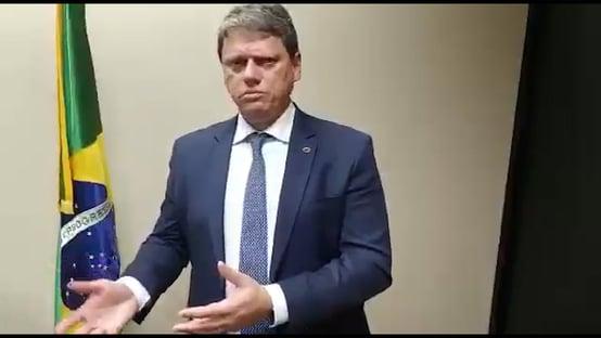 Caminhoneiros não acreditam em áudio de Bolsonaro, e Tarcísio grava vídeo para confirmar