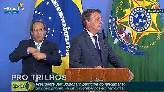 """Bolsonaro ironiza Fux: """"Brasil está em paz. Falta alguma autoridade reconhecer que extrapolou"""""""