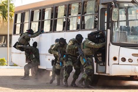 Vitor Hugo ressuscita projeto de Bolsonaro contra terrorismo; teor abrangente é criticado