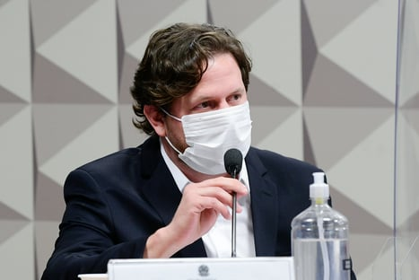 """""""Estive em eventos públicos com o senador Flávio Bolsonaro"""", diz Danilo Trento"""