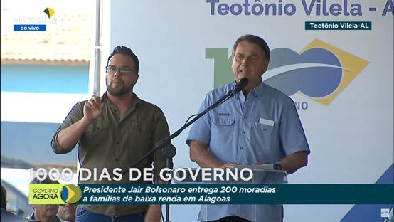 """Bolsonaro: """"A gente vê menos a cor vermelha e muito mais as cores verde e amarela"""""""