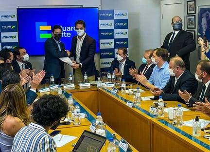 Diretórios do PSDB do Amapá e da Bahia declaram apoio a Leite