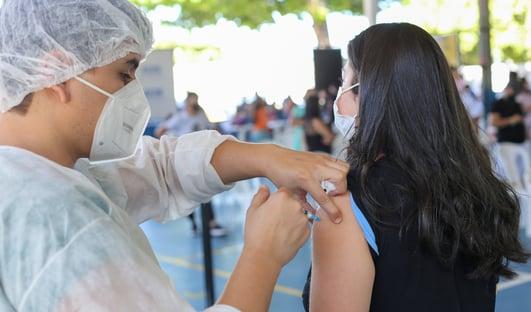 """""""Dia V"""" da vacinação bateu apenas 8% da meta"""