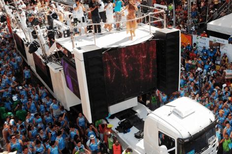 Vaquinha via Pix para o trio da Ivete contra Bolsonaro na Paulista