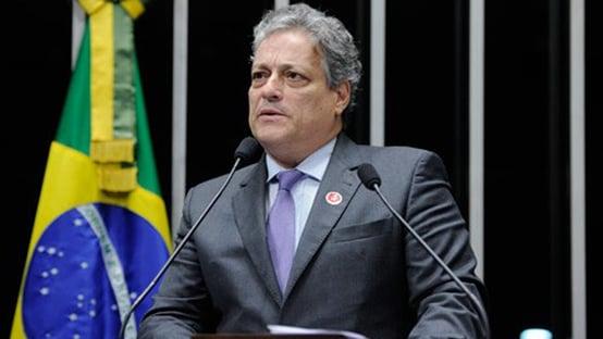 """Filho de Jango ironiza veto de Bolsonaro a homenagem ao pai: """"É até elogio"""""""