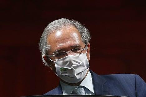 Câmara aprova convocação para Guedes explicar no plenário as offshores no exterior