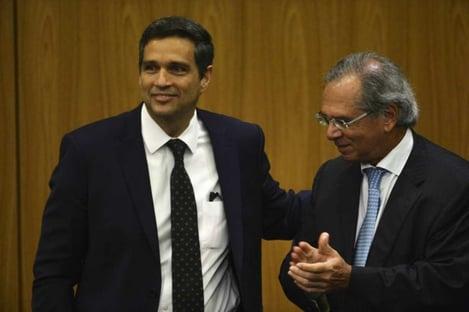 Casos de offshores de Guedes e Campos Neto são bem diferentes