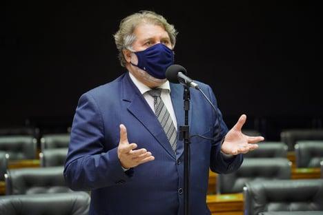"""Irmão de Renan elogia """"coragem"""" de Lira e provoca o Ministério Público"""