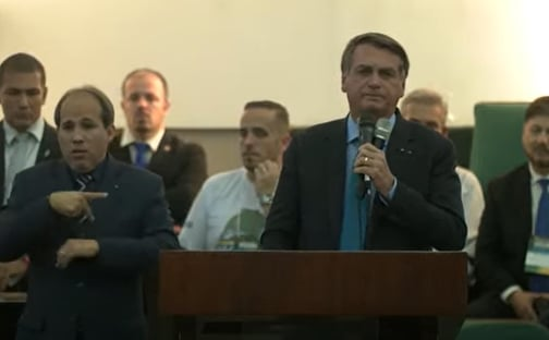 """Bolsonaro diz que tomará Tubaína com Mendonça """"todo mês"""" quando ele estiver no STF"""