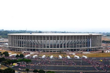 Estádio Mané Garrincha vira hospital de campanha