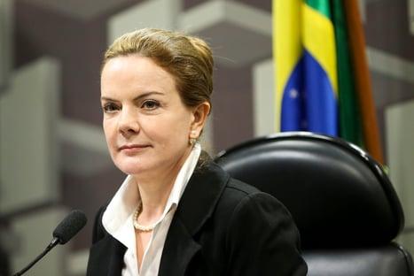 Gleisi diz que Bolsonaro apropria-se de obra que não é sua