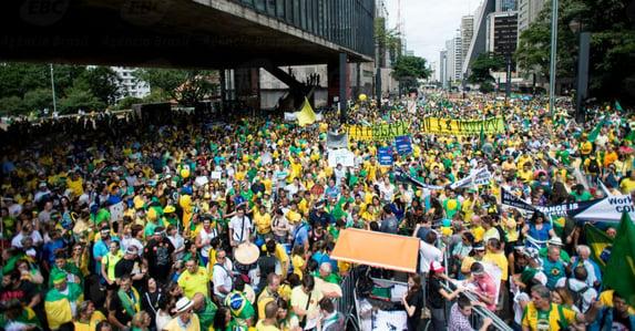 Não há eleitores no Brasil