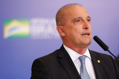 """Onyx prevê 50% dos brasileiros vacinados até julho e fala em """"imunidade de rebanho"""""""