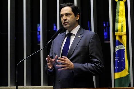 """""""Financiamento privado pode democratizar sistema partidário"""", diz Orleans e Bragança"""