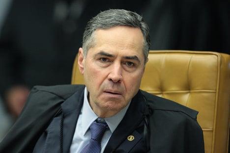 Barroso declara extinta pena de dois condenados no mensalão