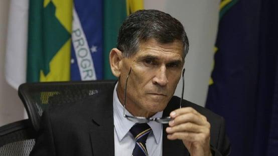 """Podemos quer Santos Cruz: """"Ele pode escolher a que quer se candidatar"""""""