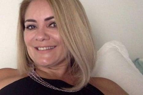 """""""Ele é um pouco machista e autoritário"""", diz ex-mulher de Bolsonaro"""