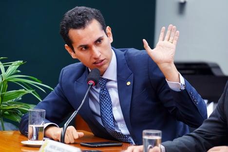 """""""PSD não tem maioria a favor de financiamento eleitoral privado"""", diz Domingos Neto"""