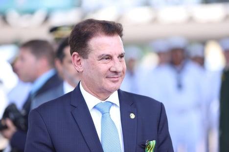 Senador diz que pedirá investigação sobre seu nome em planilha do Planalto