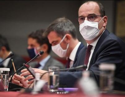 Covid-19: França pretende iniciar vacinação ainda neste ano