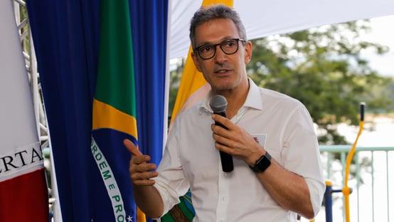 Zema diz não ser contra CPI, mas critica postura de senadores