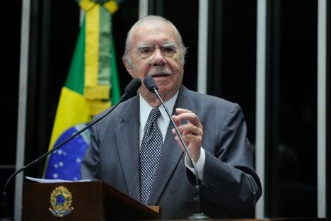Sarney é contra impeachment de Bolsonaro