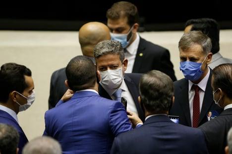 Centrão busca espaço dos militares no governo Bolsonaro