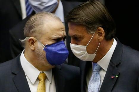 Aras pode ter motivo pessoal para não investigar presidente do Ibama
