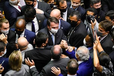 O esquema de Bolsonaro para abastecer o Centrão