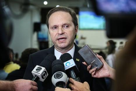 Ministro do STJ que votou a favor de Flávio visitou Planalto no começo do mês