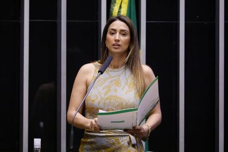 MP pede que TCU apure nomeação de Flávia Arruda como ministra