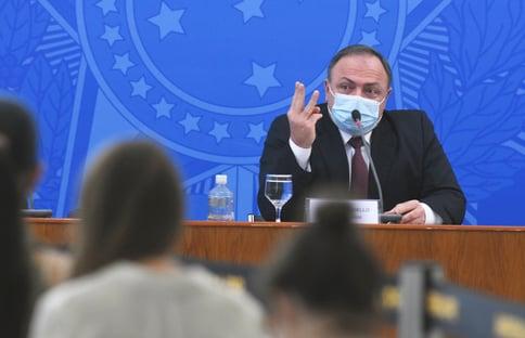 'Pazuello pode ser preso se ficar calado ou se mentir para a CPI', diz Randolfe