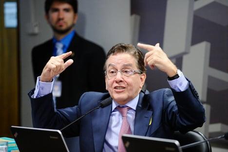"""""""Supremo imita Chacrinha ao adiar Censo para 2022"""", diz ex-presidente do IBGE"""