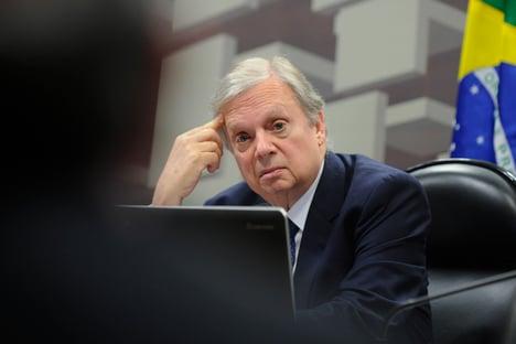 Tasso diz que alto número de requerimentos na CPI busca tirar governo federal do foco