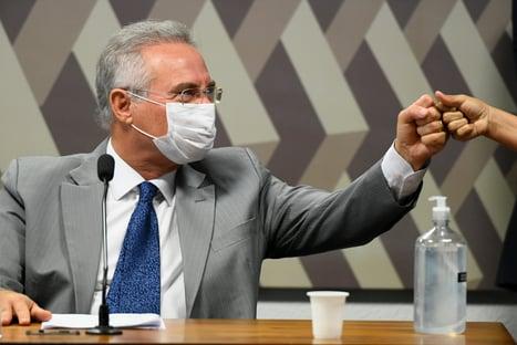 Renan diz que Bolsonaro poderá ser responsabilizado, sim pela pandemia