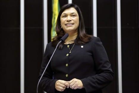 Com Covid, deputada federal Maria Rosas é intubada