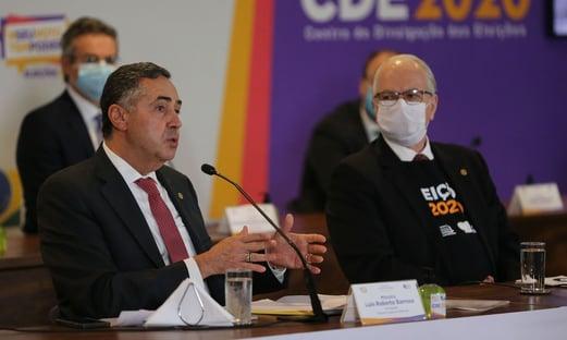 Barroso e Fachin vacinados