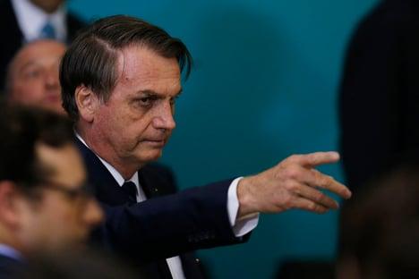'Quem não tem alternativa para a cloroquina, deixa de ser canalha e cala a boca', diz Bolsonaro