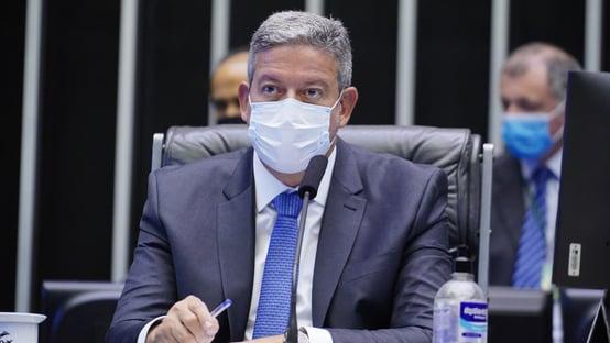 Lira diz que extinguiu comissão da reforma tributária para preservar a tramitação