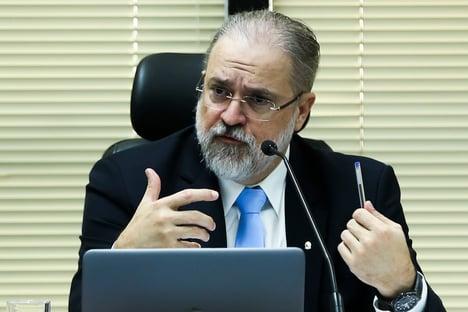 Aras sofre derrota em eleição para conselho do MPF