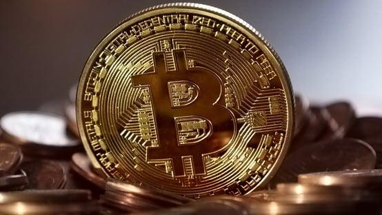 El Salvador adota bitcoin como moeda de curso legal