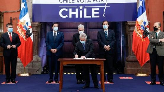 Independentes levam a melhor na Constituinte chilena; governo sai derrotado