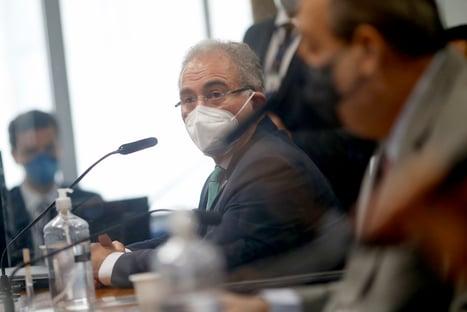 """""""Discussões laterais e que não acabam com a pandemia"""", diz Queiroga, sobre cloroquina"""