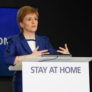 Após vitória eleitoral, premiê da Escócia promete novo referendo sobre independência