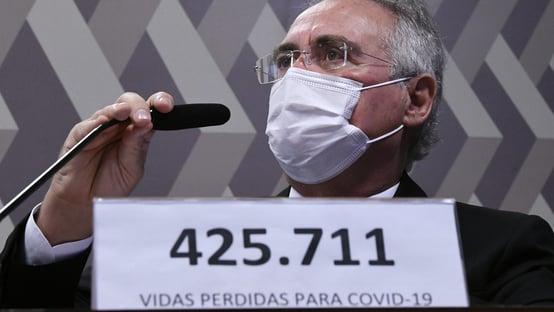 """""""Governo não tem linha de defesa"""", diz Renan Calheiros após duas semanas de CPI"""