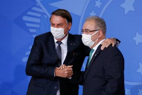 Queiroga demite militar que defendia a cloroquina