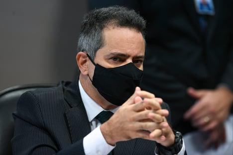 """""""Nem a Pfizer confiava no que estava oferecendo para a gente"""", diz Elcio Franco"""